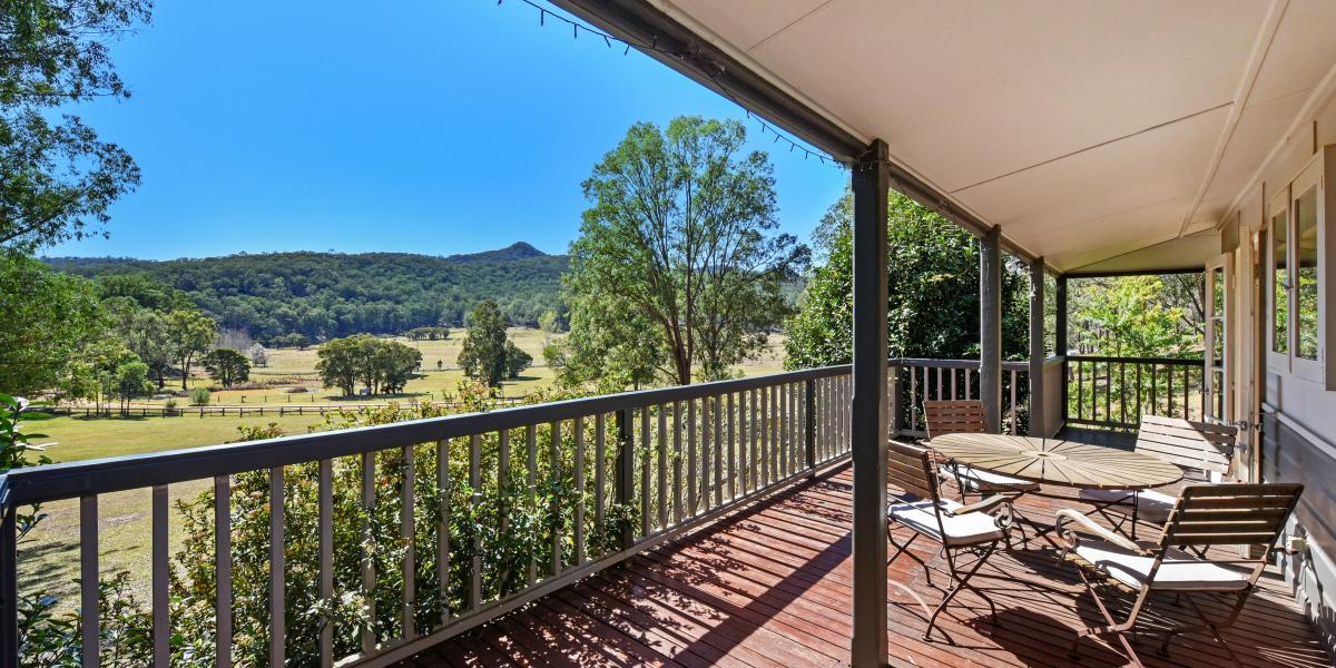 'Applegums' An Exquisite Cottage on 5 Picturesque Acres