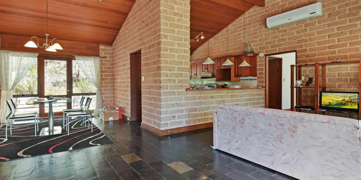Picturesque Country Lifestyle Acreage