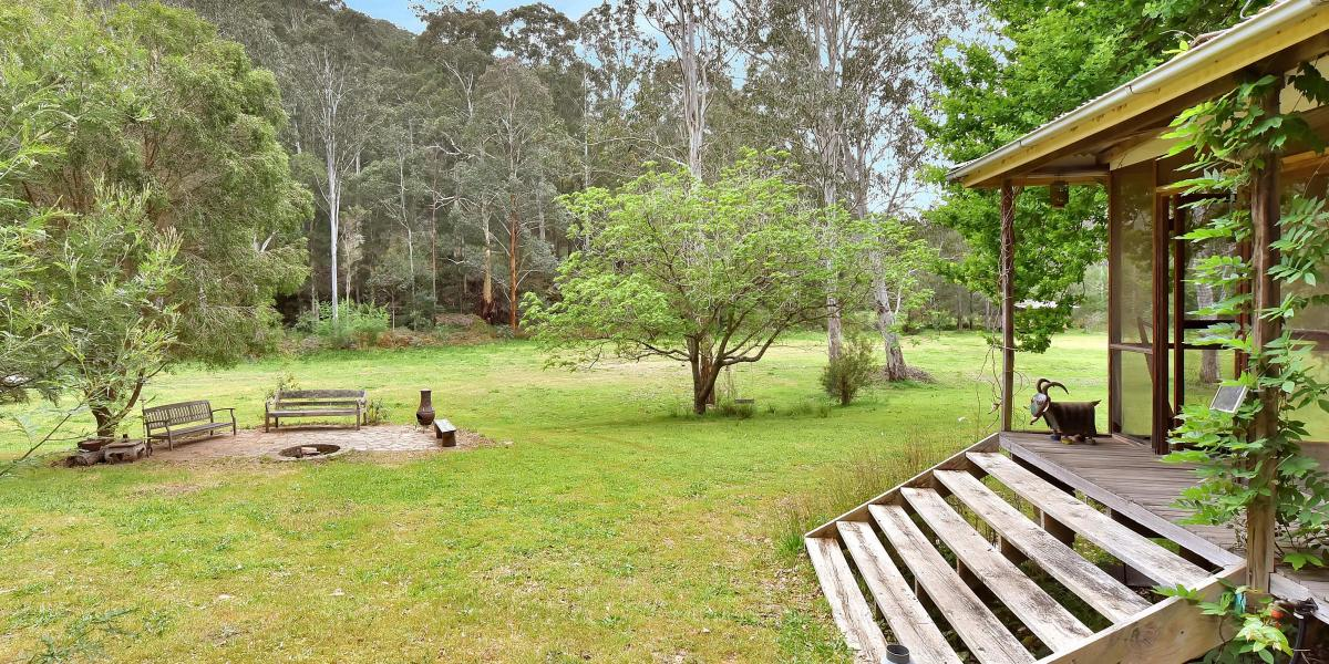 """Narawntapu"" – A Peaceful Off-Grid Oasis"