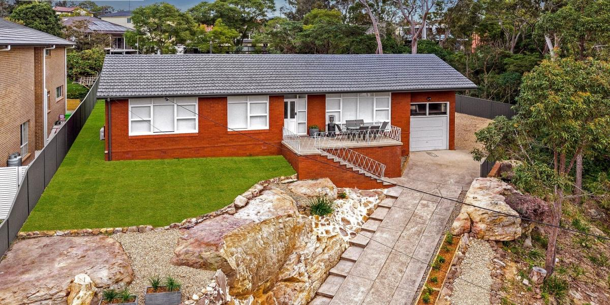 Family Oasis with Bushland Views