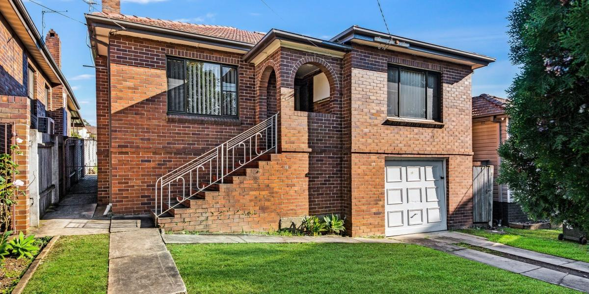 Full Brick Home Only Minutes To Bankstown CBD
