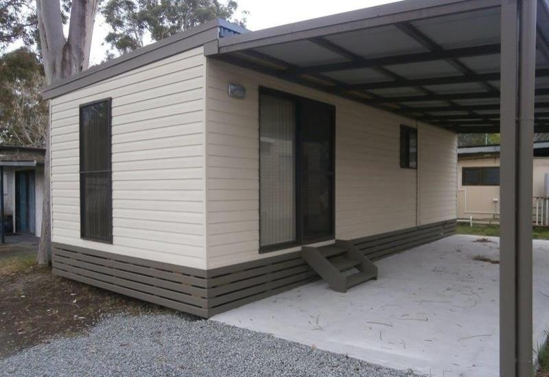 AS NEW, RELOCATABLE 1 B/R  HOME
