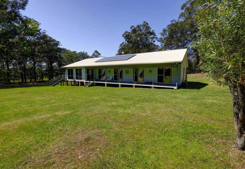 4 Bedroom home on 5 Acres
