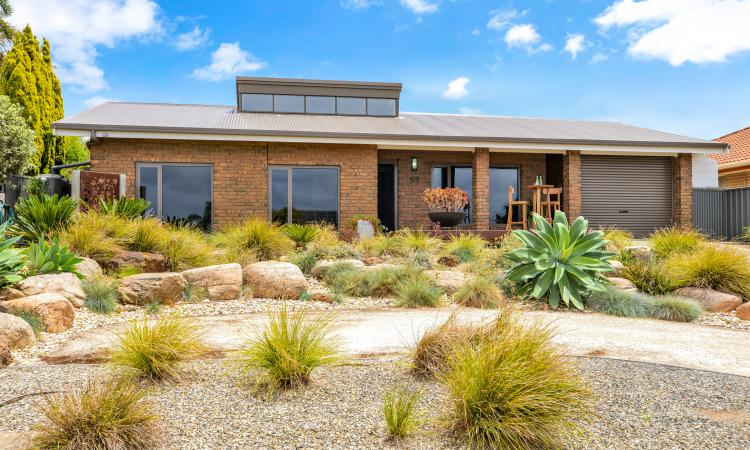 Sustainable Living | Refreshed and Stunning views