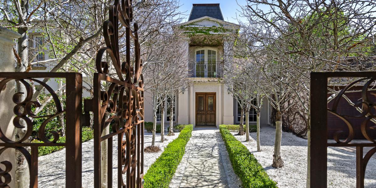 Elegant French-Inspired Entertainer in Convenient Golden Mile Location