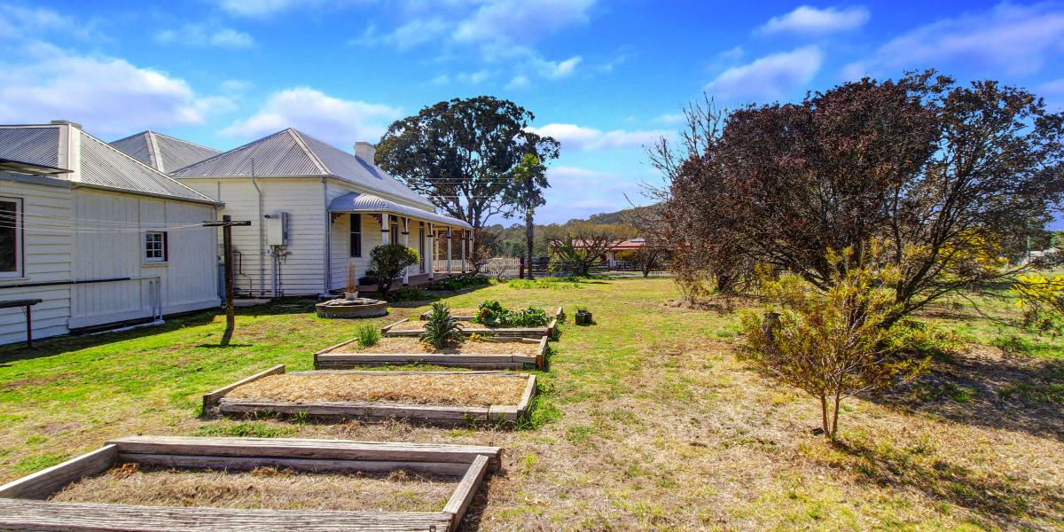 "Rare find in Uralla full of history on nearly 2 acres ""Rosewood"" Circa1860's"