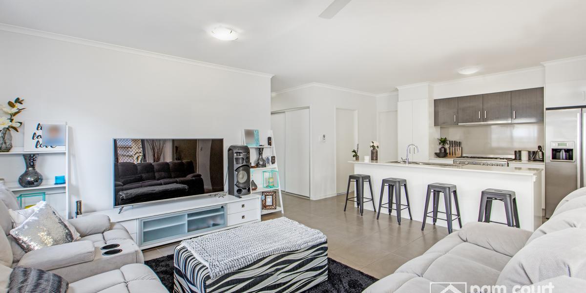 4 bedroom + 3 living zone home in Birtinya