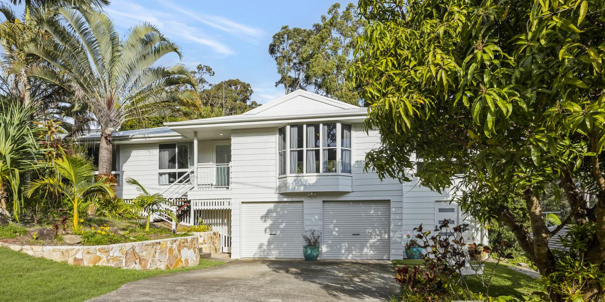 A beautifully renovated family home with mesmerising views!