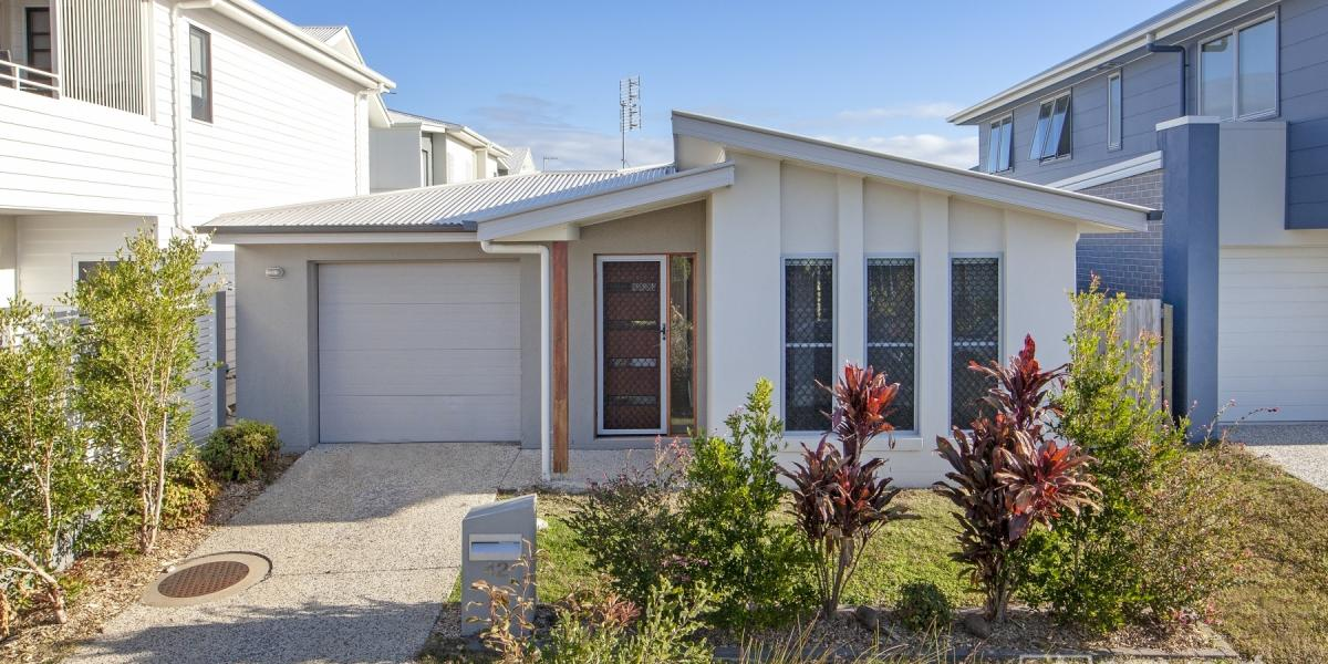 Modern, low maintenance home  Great investment opportunity!