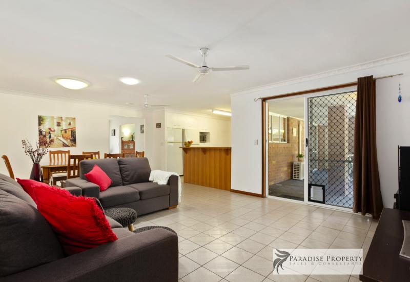 BIG 500 sqm HOME PLUS GRANNY FLAT ON 1,000 sqm BLOCK - GREAT BUSINESS LOCATION TOO