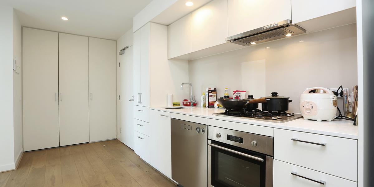 Nearby Carlton Gardens & QV - Rental Yield at 6.5%!