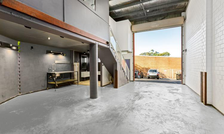 Warehouse For Sale with Modern Features