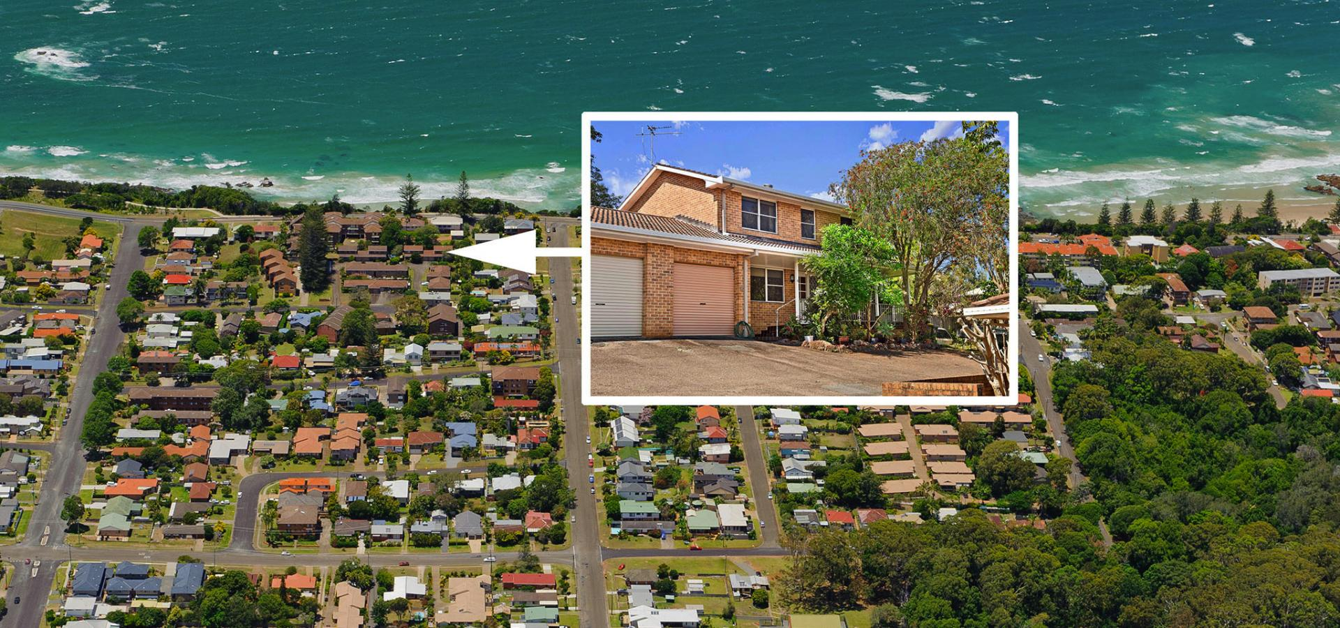 Sizable Townhouse Walk to Beach