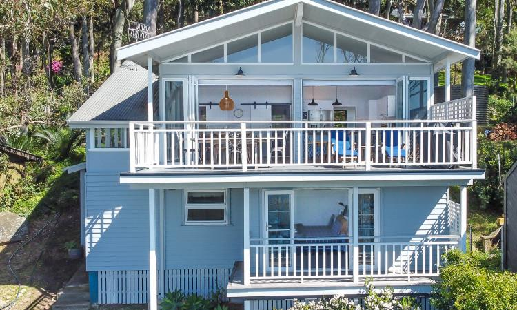 Newly Renovated 4 Bedroom Waterfront Home