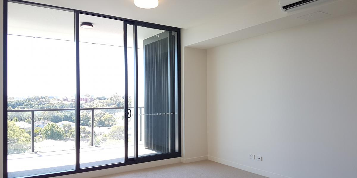 Modern One-Bedroom Apartment with Golf Course View