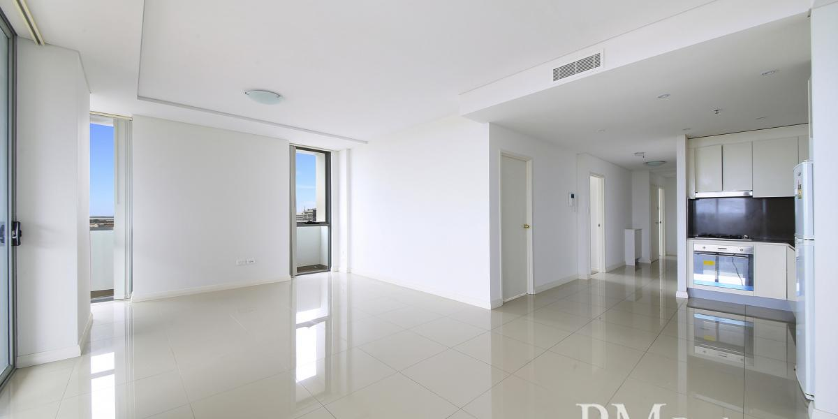 Spacious 3 Bedroom  Apartment with district views