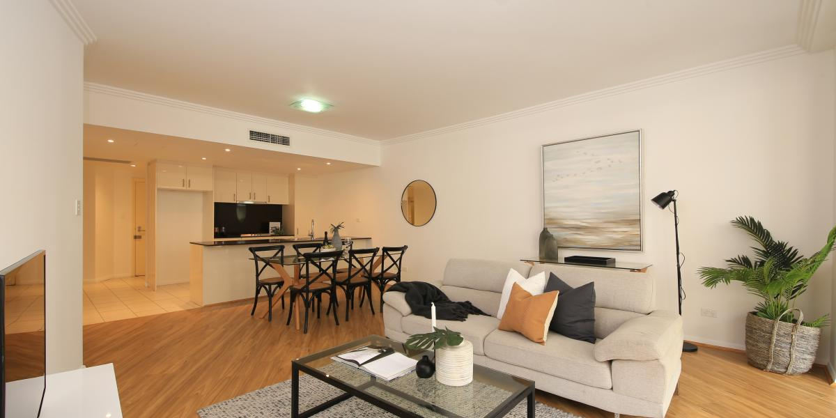 Smart Easy Style in a Freshly Updated Apartment