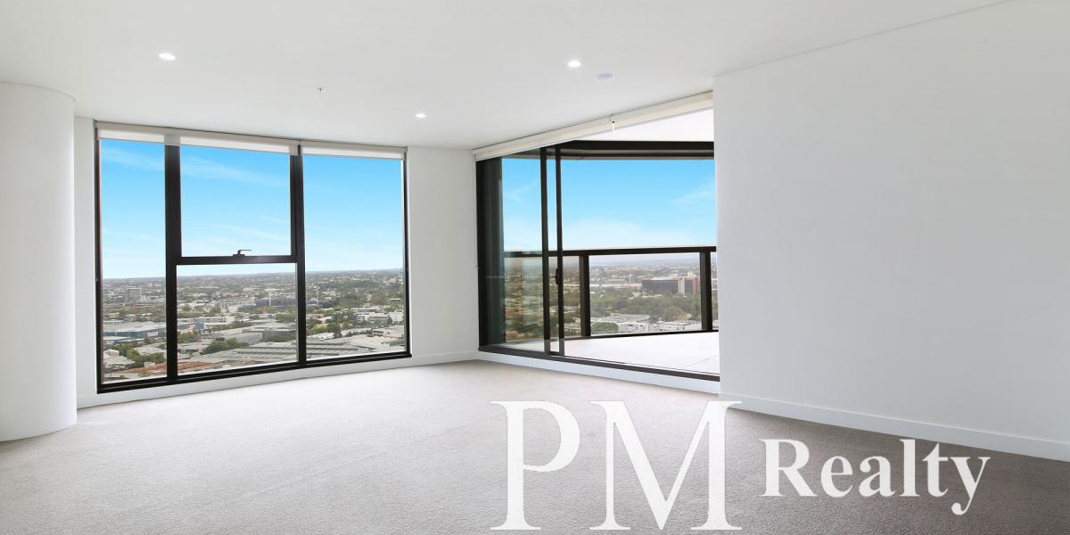 Modern & Spacious Three Bedroom Apartment with City Outlook
