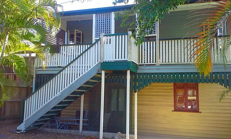 3 Bedroom Cannon Hill Location