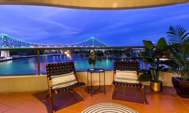 2 Bedroom Luxury Riverfront Apartments