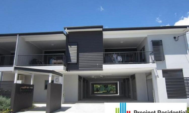 2 BEDROOM GROUND FLOOR APARTMENT WITH LARGE...