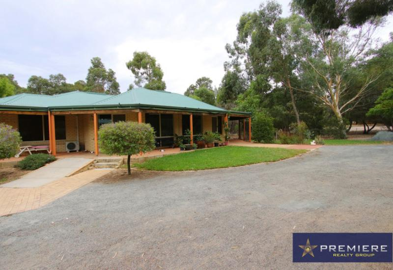 COUNTRY LIVING! - PRICE REDUCED! 10/01/2020
