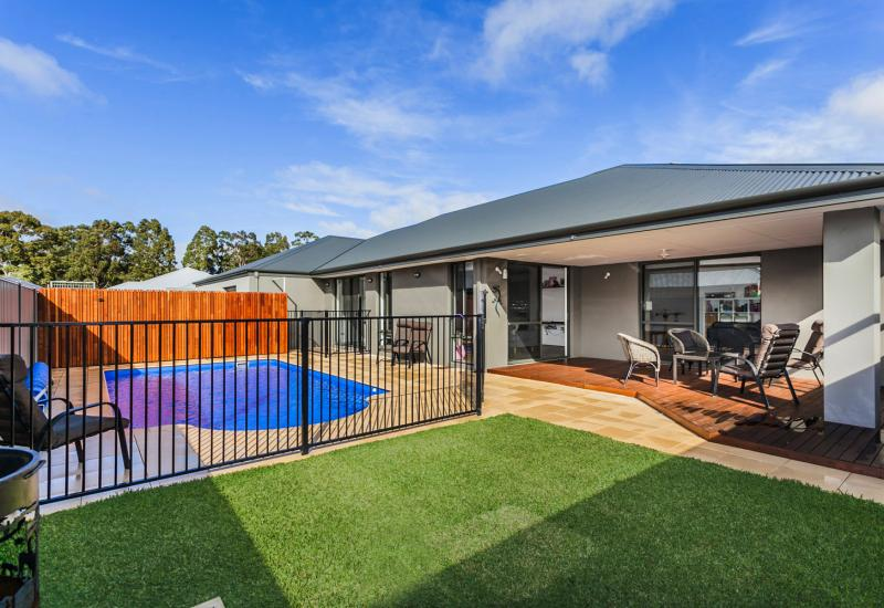 LARGE BLOCK, SPARKLING POOL AND TRADIE ACCESS