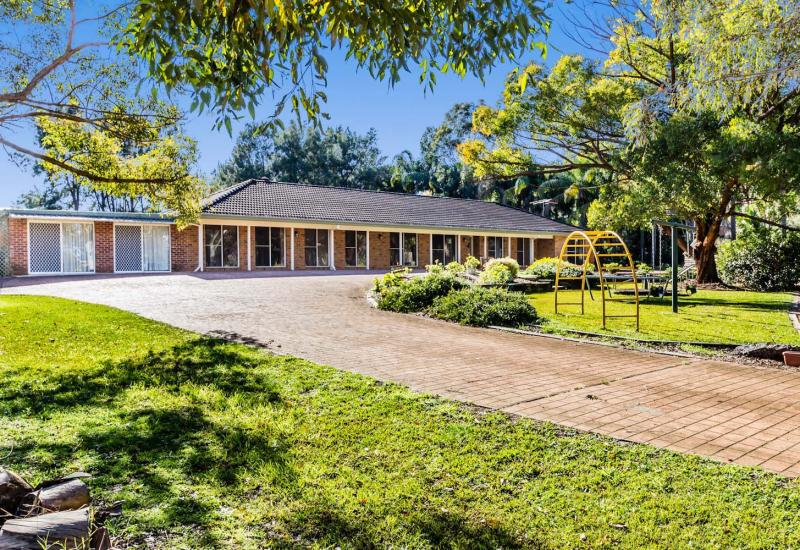 EXPANSIVE FAMILY HOME ON 2.5 ACRES!