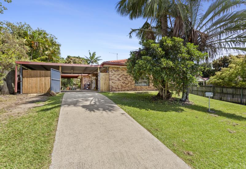 Great four bedroom family home on a large 845m2 Block