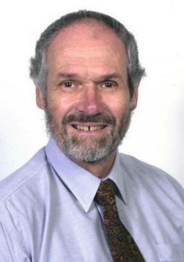 Dr Pat Phillips