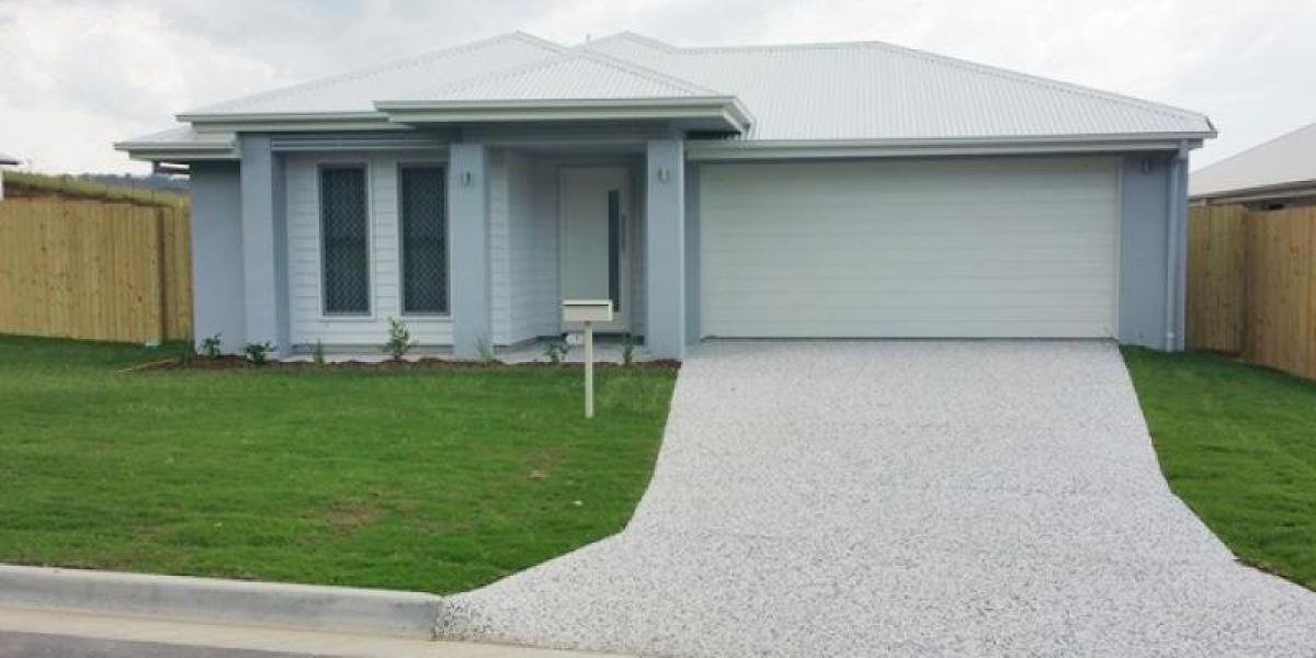 FIRST WEEK RENT FREE on SPACIOUS HOME IN PIMPAMA