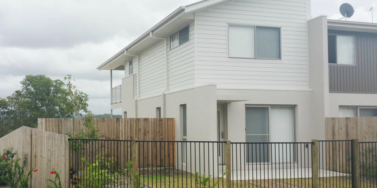 SPACIOUS TOWNHOUSE IN PIMPAMA
