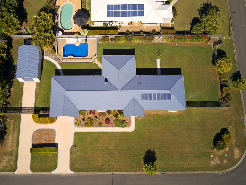 348 SQM HOME, 2008 SQM CORNER BLOCK, MEDIA ROOM, EXTRA HEIGHT MOTOR HOME SHED, SWIMMING POOL, THIS SENSATIONAL STUNNING HOME HAS EVERYTHING YOU NEED !