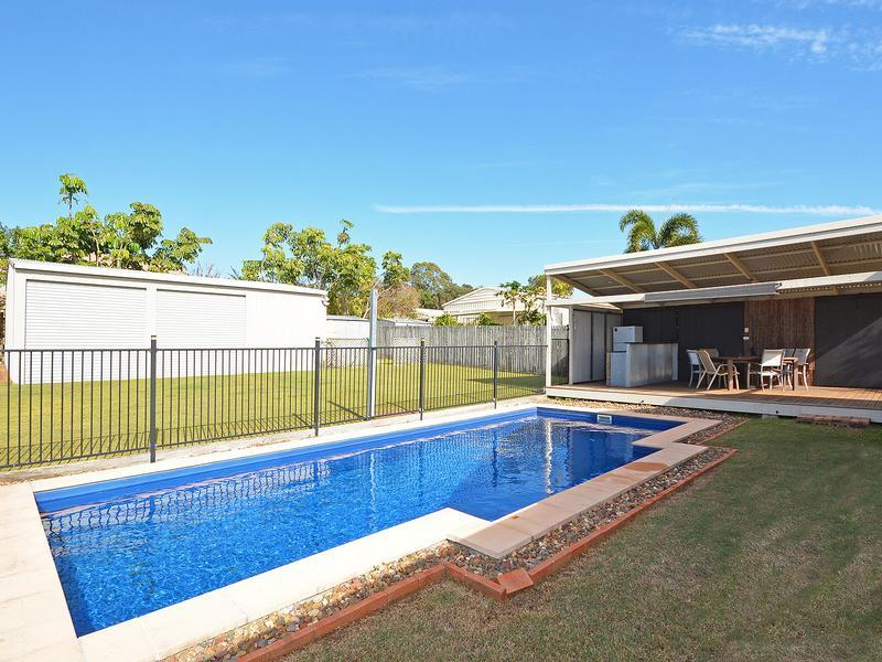 9 X 7 TRIPLE SHED, SWIMMING POOL, 10 PANEL SOLAR SYSTEM, ENTERTAINMENT DECK, COVERED ALFRESCO, TWO LIVING ROOMS, 4.6 MTR WIDE SIDE ACCESS, CUL DE SAC