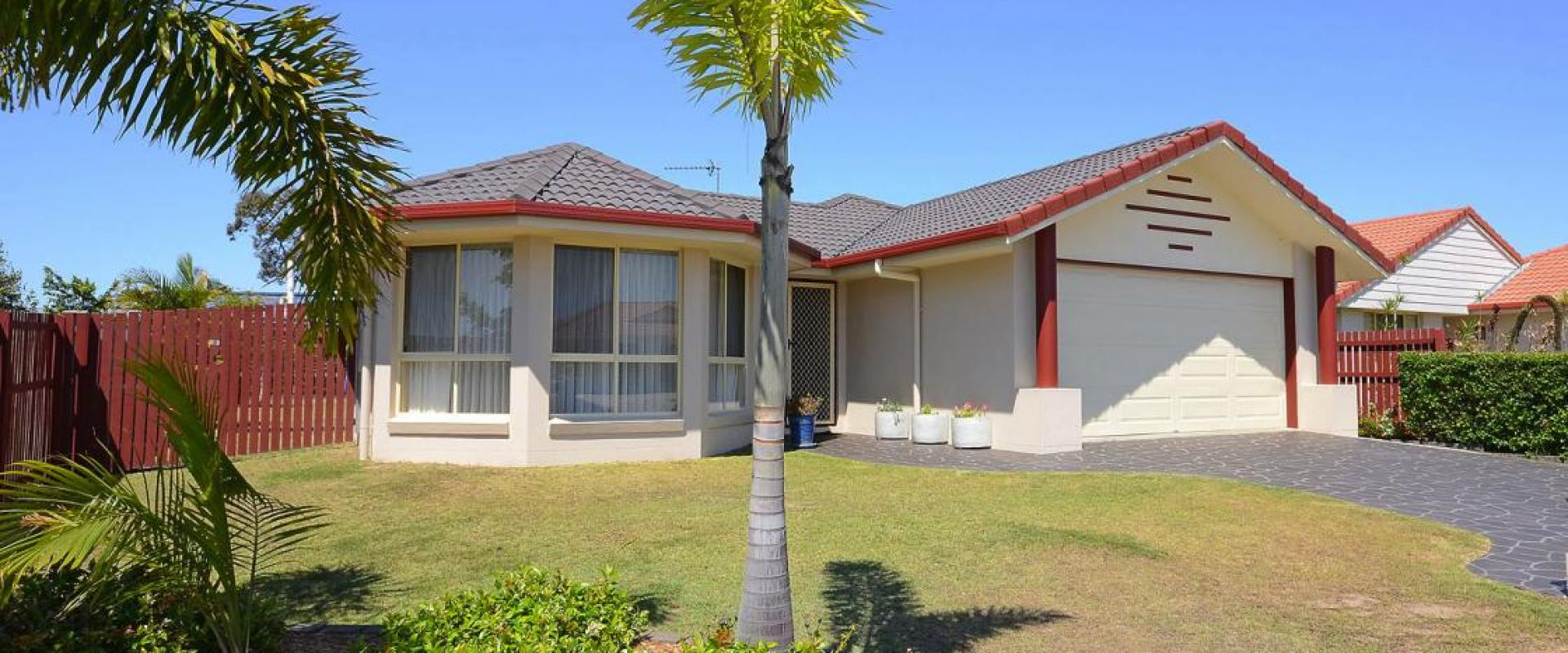 EXTENDED KITCHEN, WIDE SIDE ACCESS, BAY WINDOW SEPARATE LIVING ROOM, OPEN PLAN FAMILY AND MEALS AREA, EN SUITE SHOWER, WALK IN ROBE, AIR CONDITIONING.