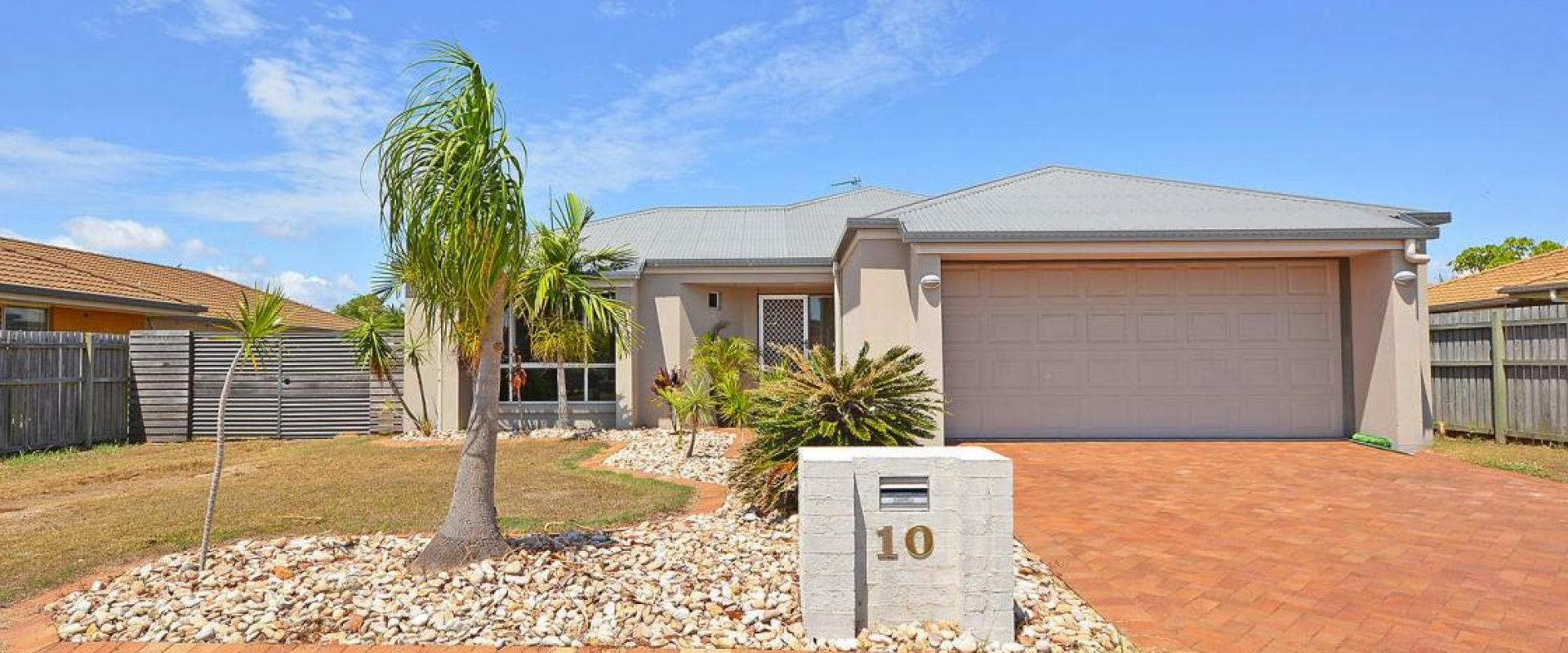 INDIVIDUAL SPACIOUS FAMILY HOME WITH A BLANK CANVAS FOR A SWIMMING POOL AND DOUBLE SHED S.T.C.A. LARGE LIVING RM, WALK IN ROBE, 3.9 M WIDE SIDE ACCESS