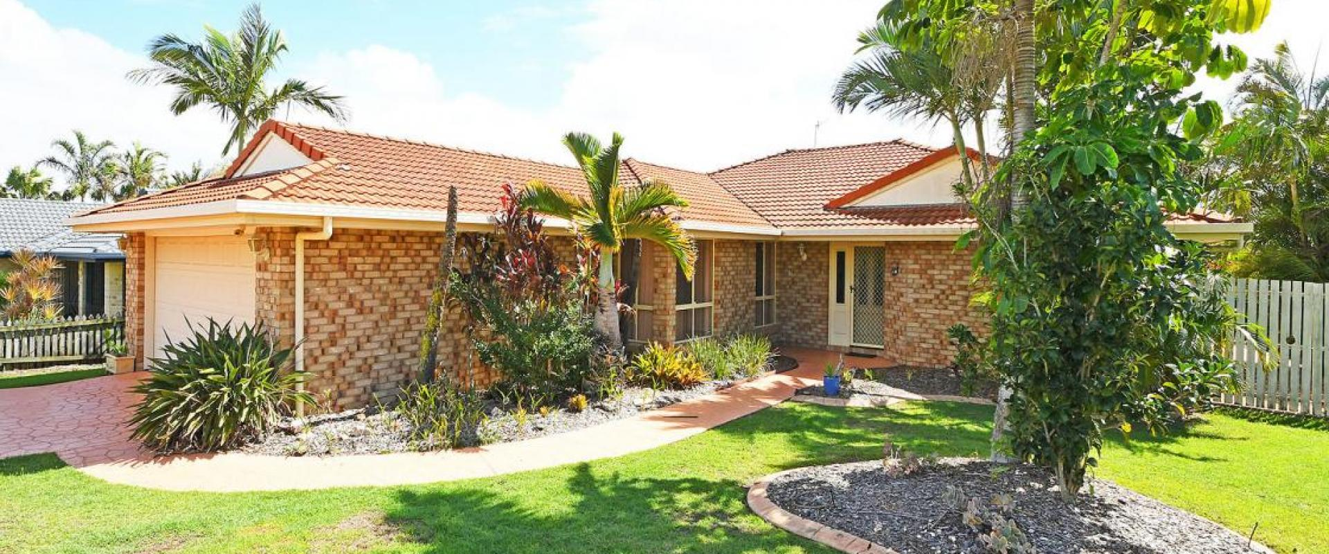 SOUGHT AFTER ELEVATED CUL DE SAC LOCATION, CLOSE TO THE HOSPITALS AND MEDICAL FACILITIES OF HERVEY BAY,  LARGE ENCLOSED ALFRESCO, SIDE ACCESS TO REAR.