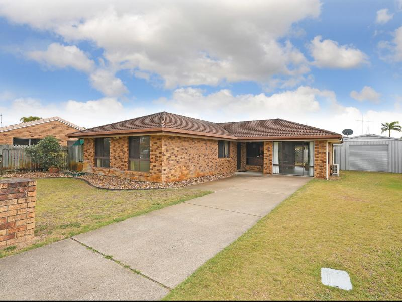 WALK TO THE SANDY BEACH, CAFES, RESTAURANTS, BOWLS CLUB, BOTANICAL GARDENS, URANGAN SHOPPING CENTRE, 6 x 5 SHED, 4 METRE SIDE ACCESS, CUL DE SAC.