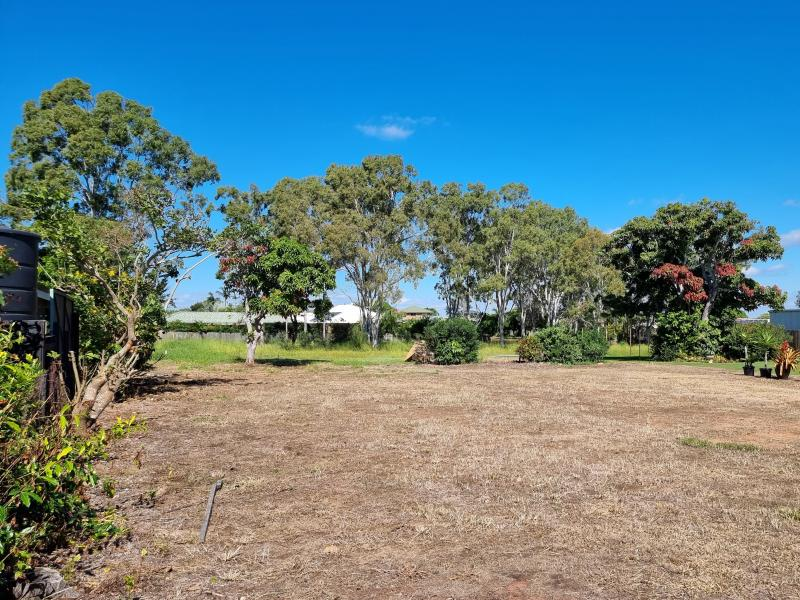 2800 SQM - NO OTHER VACANT BLOCKS OF THIS SIZE AVAILABLE IN THE COASTAL PENINSULA OF POINT VERNON AND WITHIN WALKING DISTANCE OF THE COAST & THE BEACH