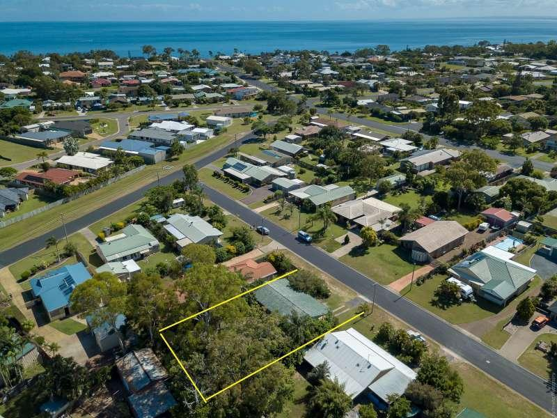 SUPERB OPPORTUNITY, GREAT COASTAL INVESTMENT, SHORT DISTANCE TO THE BEACH, GATAKERS BAY RECREATIONAL PARK, TWO BOAT LAUNCH RAMPS, CYCLE, WALKING PATH.