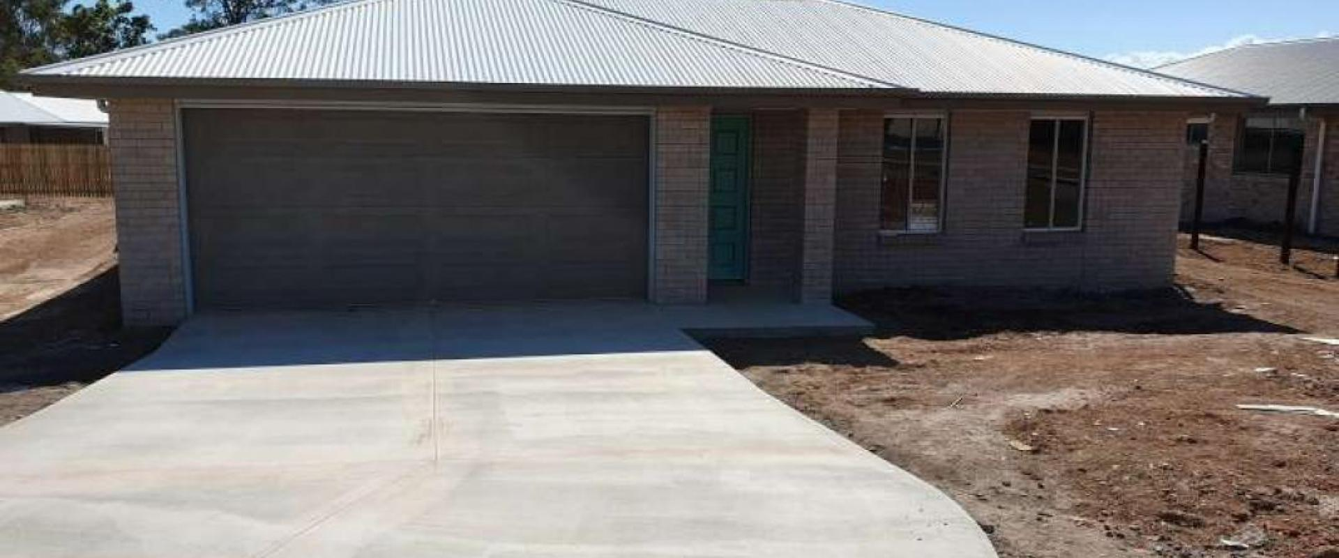 BRAND NEW AND READY TO MOVE INTO VERY SOON, LAND SIZE 742 SQM, WIDE SIDE ACCESS TO THE REAR YARD, SEPARATE LIVING ROOM, WALK IN ROBE, ENSUITE SHOWER.