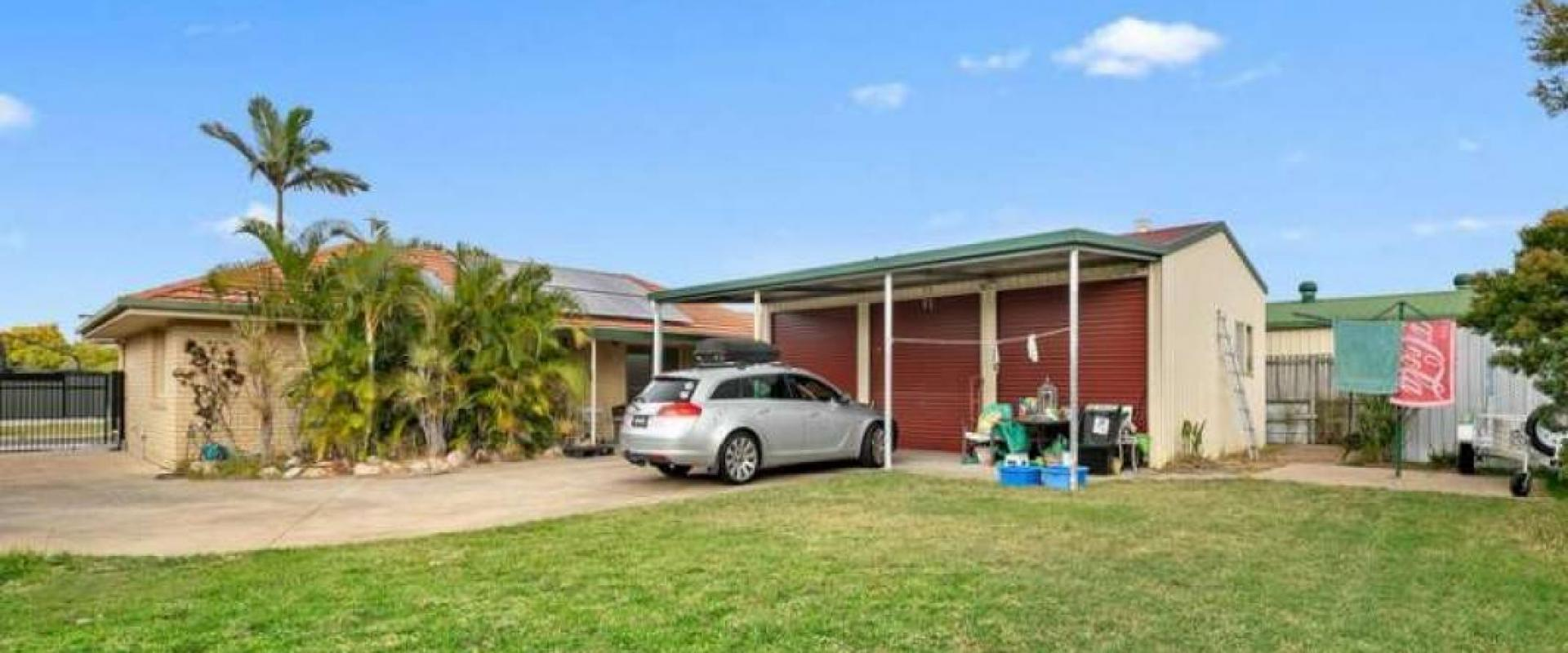 INVEST - THE SELLER IS STAYING IN THE PROPERTY UNTIL FRIDAY 01st JANUARY, 2021 AND WILL PAY $380.00 PER WEEK RENT TO THE BUYER.