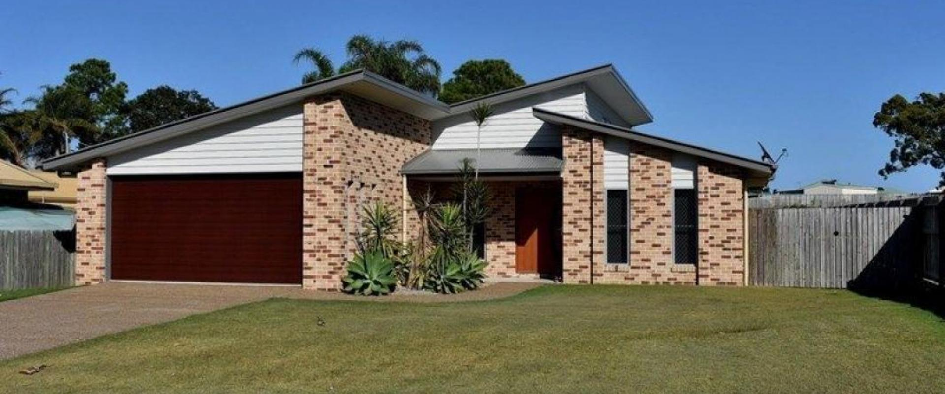 DOUBLE ACCESS TO THIS PROPERTY, SNAPPER STREET & BREAM STREET, IDEAL IF YOU NEED TO PARK ADDITIONAL VEHICLES OR EVEN BUILD A LARGE SHED OR ANNEXE STCA