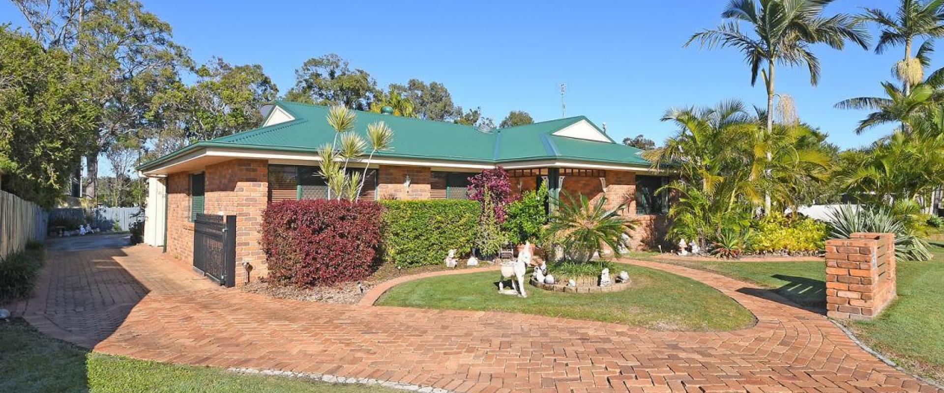 LARGE TRIPLE SHED, AMPLE PARKING, SOUGHT AFTER CENTRAL LOCATED SUBURB, ADJACENT TO DUGGAN CONSERVATION PARK AND SPORTING RECREATIONAL GROUND.
