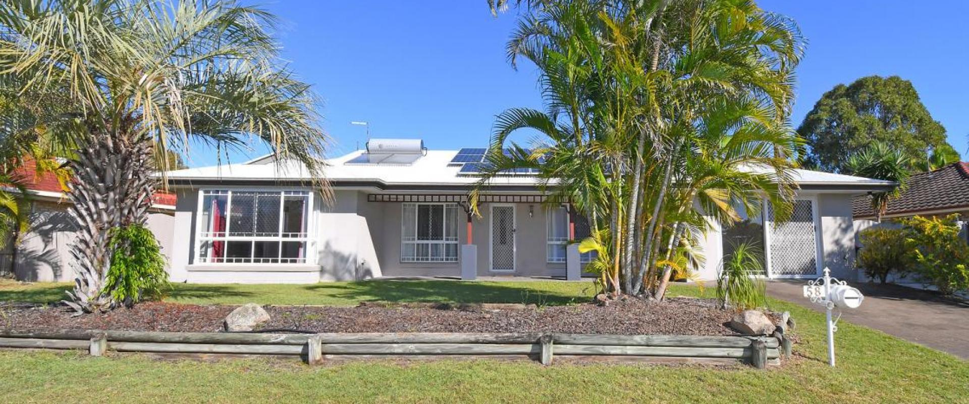 DOUBLE SHED, 5KW 20 PANEL SOLAR SYSTEM, LARGE OPEN PLAN LIVING / FAMILY ROOM, DINING AND MEALS AREA, 17 METRE LONG COVERED ALFRESCO, CLOSE TO SHOPPING