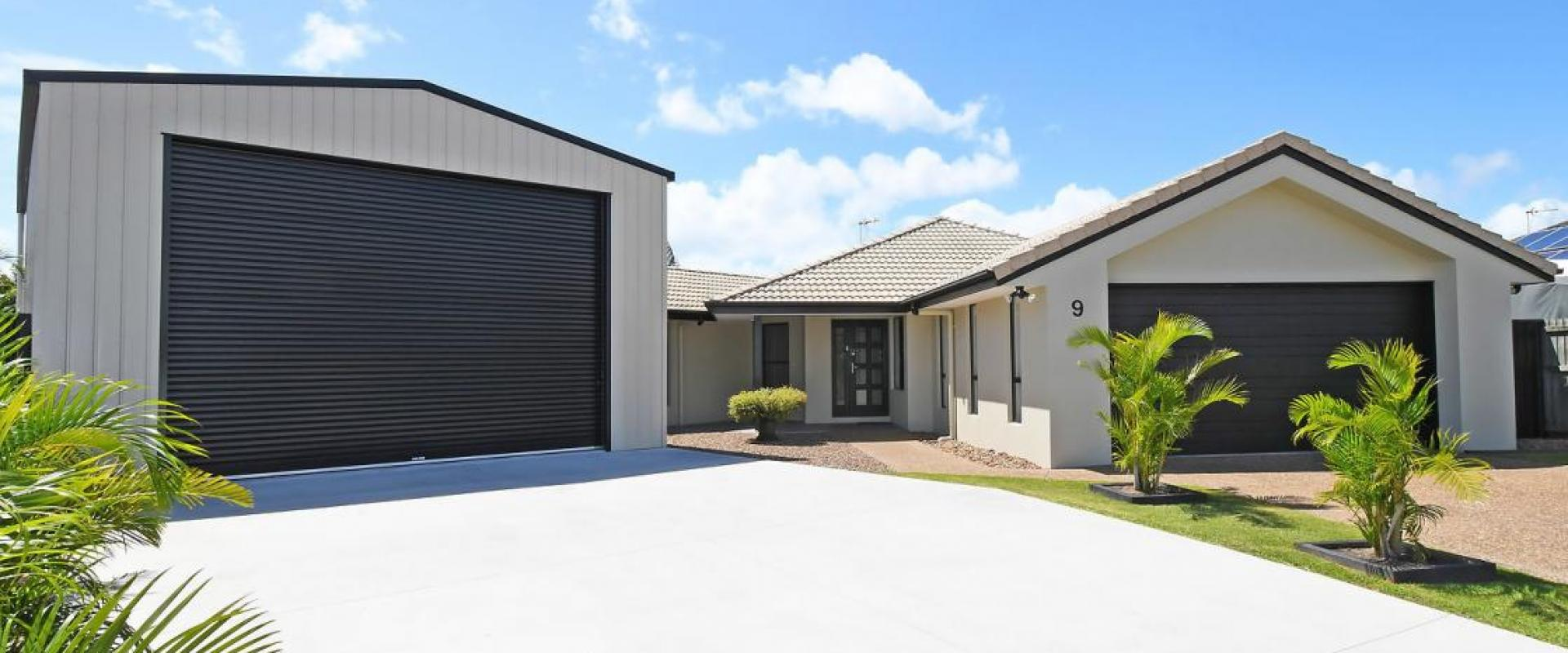EXTRA 3.4 METRE HEIGHT, 9 x 7 RV or BOAT SHED, SOUGHT AFTER ELITE CUL DE SAC AND SUBURB LOCATION, IMMACULATE SPACIOUS HOME, SUPERB LANDSCAPED GARDEN.