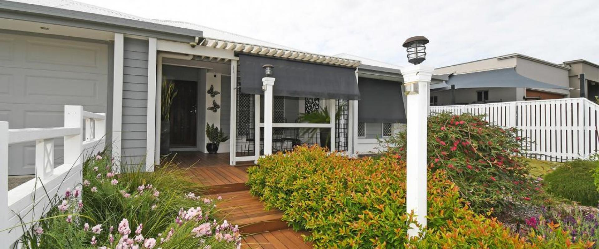 PERFECTION - A STUNNING BUILDERS HOME THAT OFFERS EVERYTHING YOU COULD DESIRE, LOCATION, SWIM POOL, CARAVAN & VEHICLE PORTS, 6 X 5 SHED, SOLAR, MEDIA.