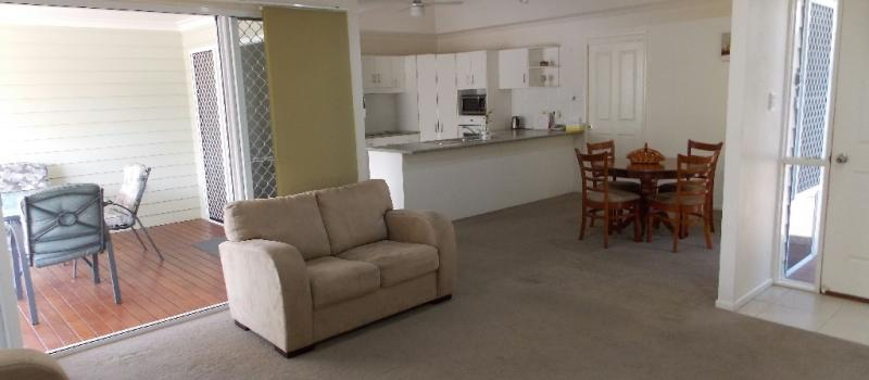 025 Tamarind Place Norman Gardens QLD 4701-5