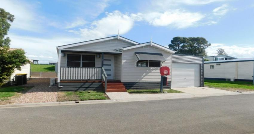 300 Clifton Ave, Leopold VIC 3224-1