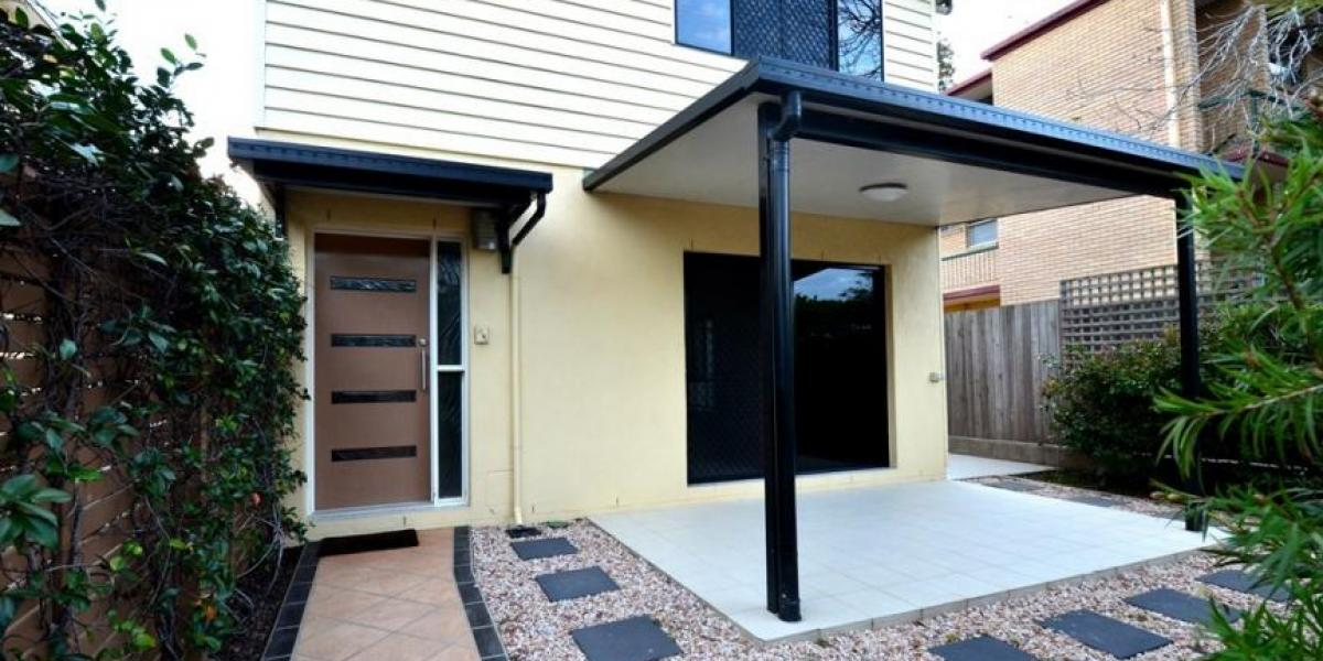 Contemporary Townhouse, Ducted Air-Con, Private Courtyard, Modern Living, Will Go Quick!!!